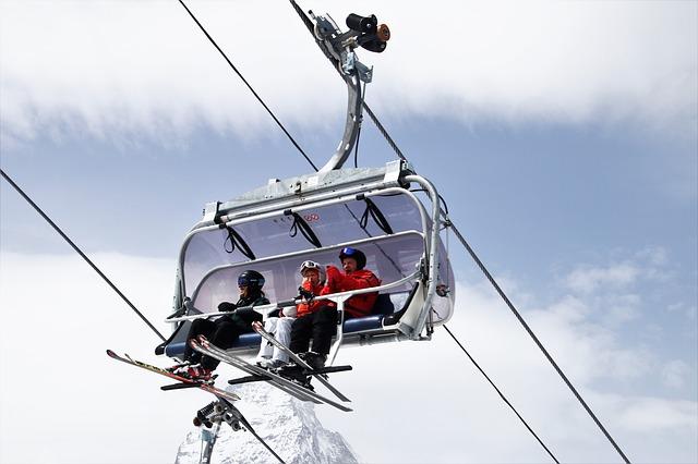 Zdjęcie główne #223 - Twoi klienci lubią szaleć na stoku? Obdaruj ich gadżetami reklamowymi dla narciarzy!